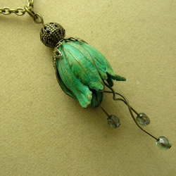 Greensleeves Floral Necklace