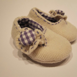 Hand sewn baby girl shoes -wool 0-3 months