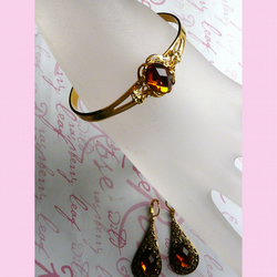 Victorian Styled Amber Nectar Bracelet And Earrings Set