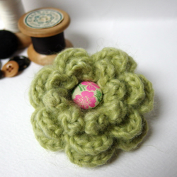 Pale Green Crochet Flower Brooch with pink button centre