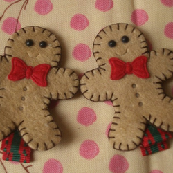 Mmmm,Christmas Gingerbread Men Hair Clips, FREE UK SHIPPING!!
