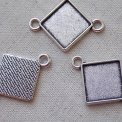 5 Antique Silver tone Rhombus Settings 39 x 30mm