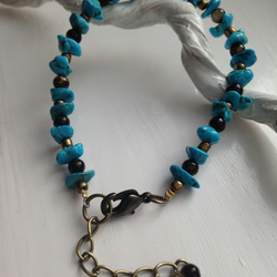 Bracelet featuring magnesite turquoise nuggets