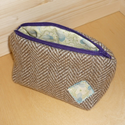 Tweed cosmetic case