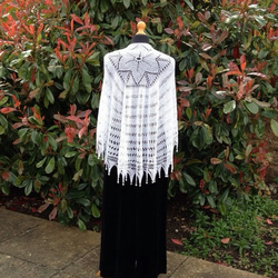 White Evening shawl with pearls