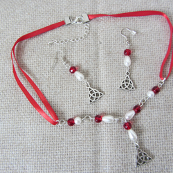 CELTIC TRIQUETA NECKLACE AND EARRING SET