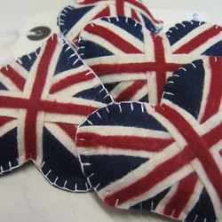 union jack felt brooch