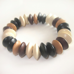 Ladies wooden disc bracelet