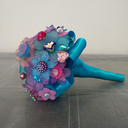 Mini Bead Bouquet... Flower Girl Wand.. Wedding Decorations...
