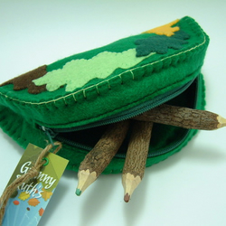 Oak Leaf Felt Purse