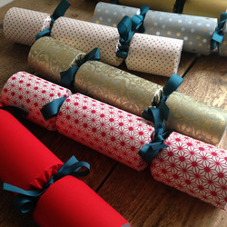 6 Handmade Christmas Crackers