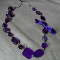 Chunky Purple and clear beaded necklace