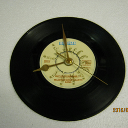 "Manfred Mann's Earthband - ""Davy's On The Road Again"" 7"" Vinyl Record Clock"