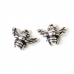 1x honeybee charm, TierraCast jewellery findings for bracelets and necklaces