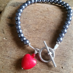 valentines silver glass pearls and red agate love heart charm bracelet.