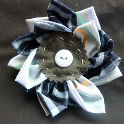 Flower pin or hair clip