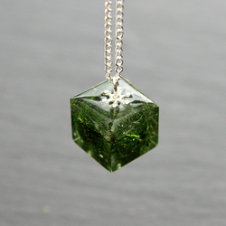 Real Dried Forest Green Moss Resin Handmade Pendant Necklace Cube Botanical Gift