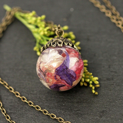 Real Flower Petals Resin Pendant Necklace Dried Wildflowers Mixed Colours Sphere
