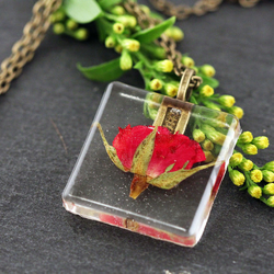 Real Red Rose Resin Pendant Dried Pressed Flower Necklace Roses Floral Woodland