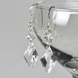 SALE! Swarovski® drop earrings, Crystal bridal earrings, Wedding or prom