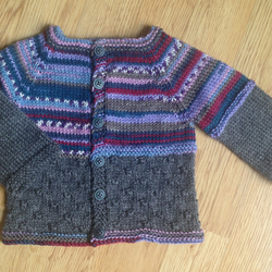 """Knitty Knotty"" baby cardigan with fair isle effect - size 0-3 months"