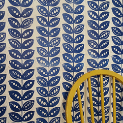 Hand printed, lino cut wallpaper in Pretty Pea