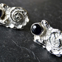 Tresor cast shell and iolite studs