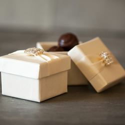 Thea Favour Box