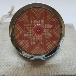 Patterned flower compact mirror