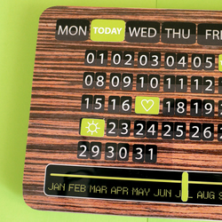 Perpetual magnet retro style calender
