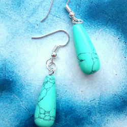Lovely Natural Turquoise Teardrop Drop Earrings