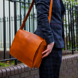 Leather messenger bag with laptop compartment in tan - Ryton by Niche Lane
