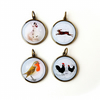 SECONDS 4 x Vintage Image Resin Pendants (793)