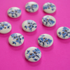 15mm Wooden Floral Buttons Blue White 10pk Flowers (SF1)