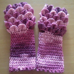 Rose Dragonscale Fingerless Gloves