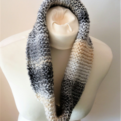 Hand Knitted Slouchy Cowl & Fingerless Mitt Set.....Marble Grey