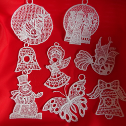 Lace tree decorations