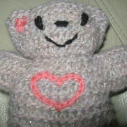 Hand knitted, heart bear in beige wth gold flecks