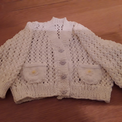 White hand knitted cardigan in 100% cotton (age 1-2)