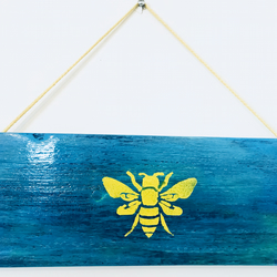 Pallet Wood Wall Hanging Worker Bee