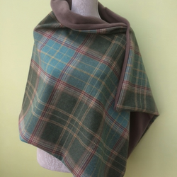 Tweed shawl with fleece lining