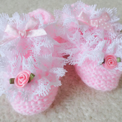 Hand knitted pink baby girl shoes lace and bows