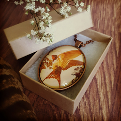 Swallow Cameo, Bird Necklace, Vintage Bird Pendant, Swift Bird, Nature Necklace
