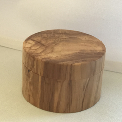 Olive wood ring presentation case