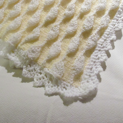 Lemon and white baby blanket