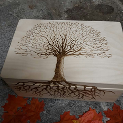 Large wooden Keepsake Memory Box, engraved  Personalised Tree of life, Love,wedd