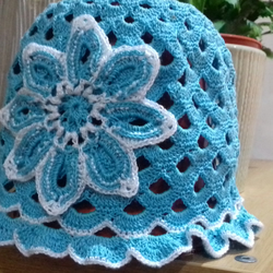 Hand knitted 1920's style gils summer hat