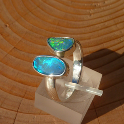 Open-ended opal ring