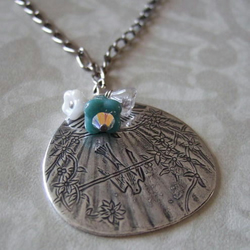 Oriental Bloom necklace